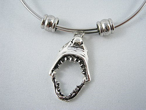 Shark Jaw Bangle - InnovatoDesign