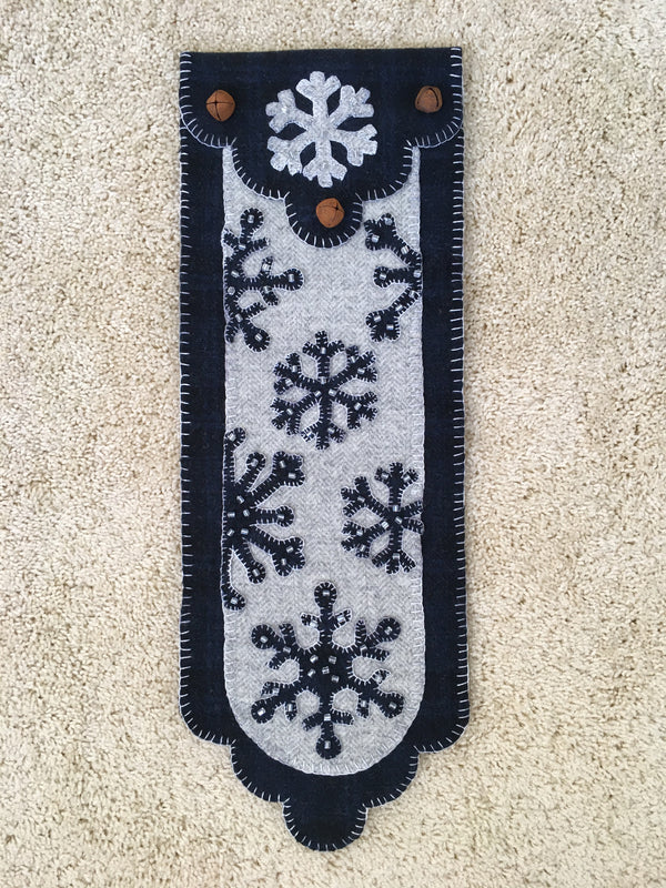 Midnight Snowflakes Scalloped Banner