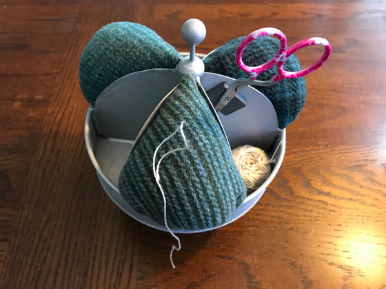 Mini Tin Spinner Pincushion
