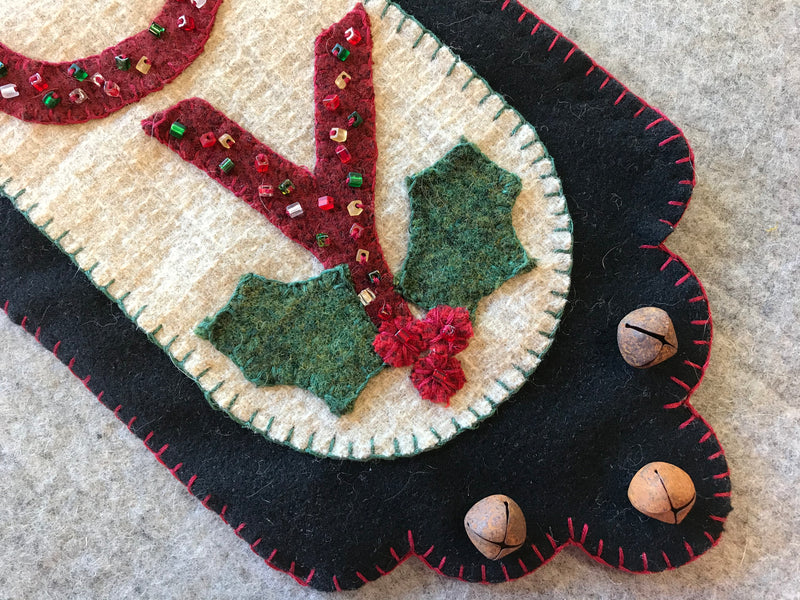 Holiday Joy Scalloped Banner