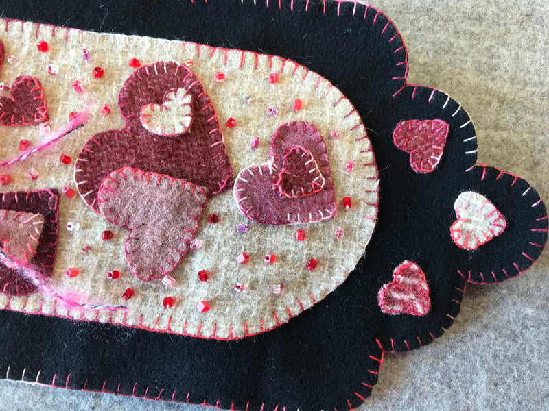 Sweet Hearts Scalloped Banner