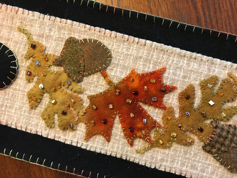 Frosty falling leaves Scalloped Banner