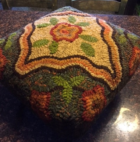 Kat's Garden Bonnet Topper Stool Pattern