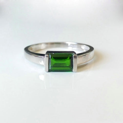 Classic Diopside Ring Solid 925 silver   0.5 ct Natural Chrome Diopside