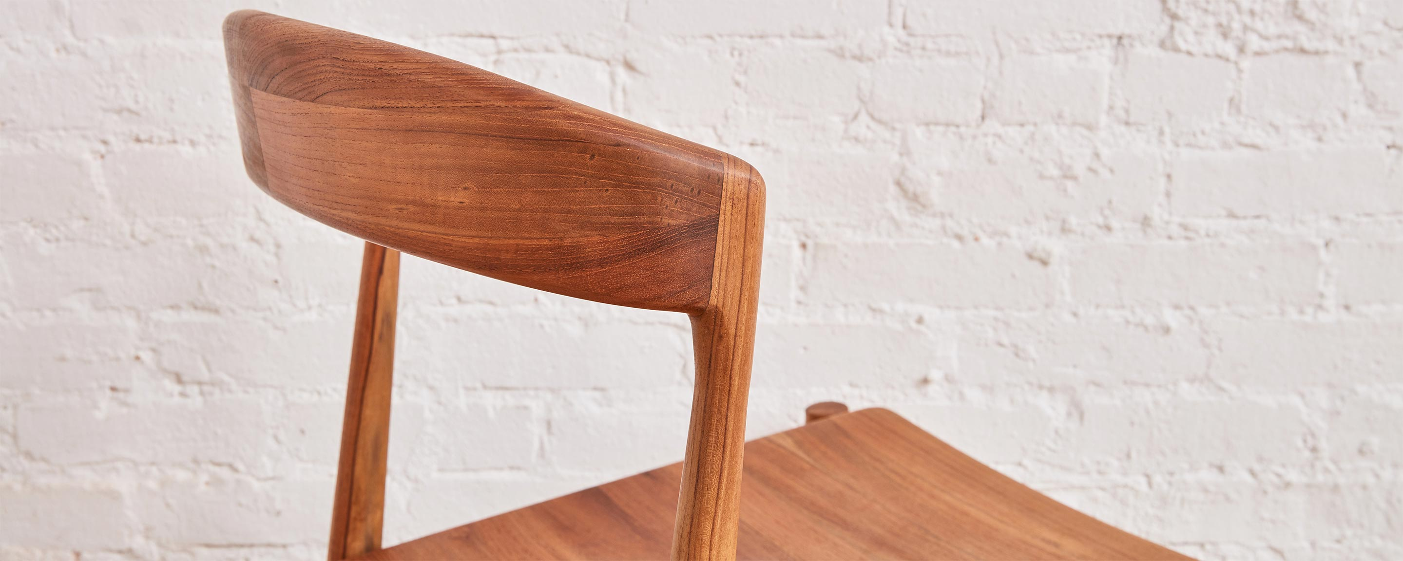 the teak dining chair