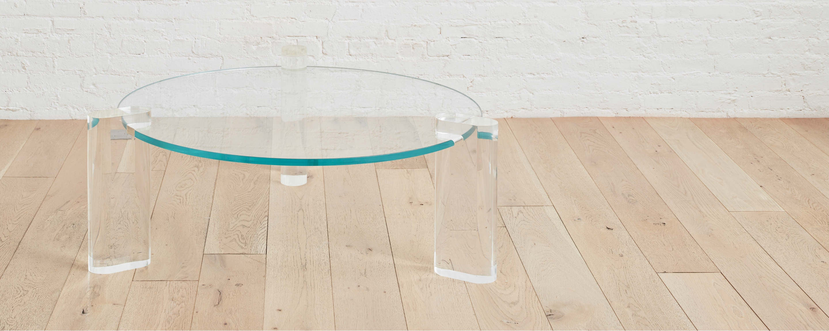 the flatiron round coffee table