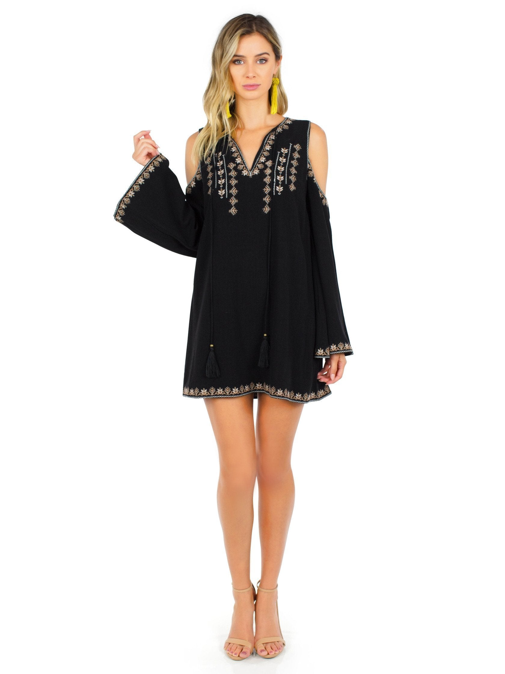Girl outfit in a dress rental from Moon River called Cold Shoulder Dress