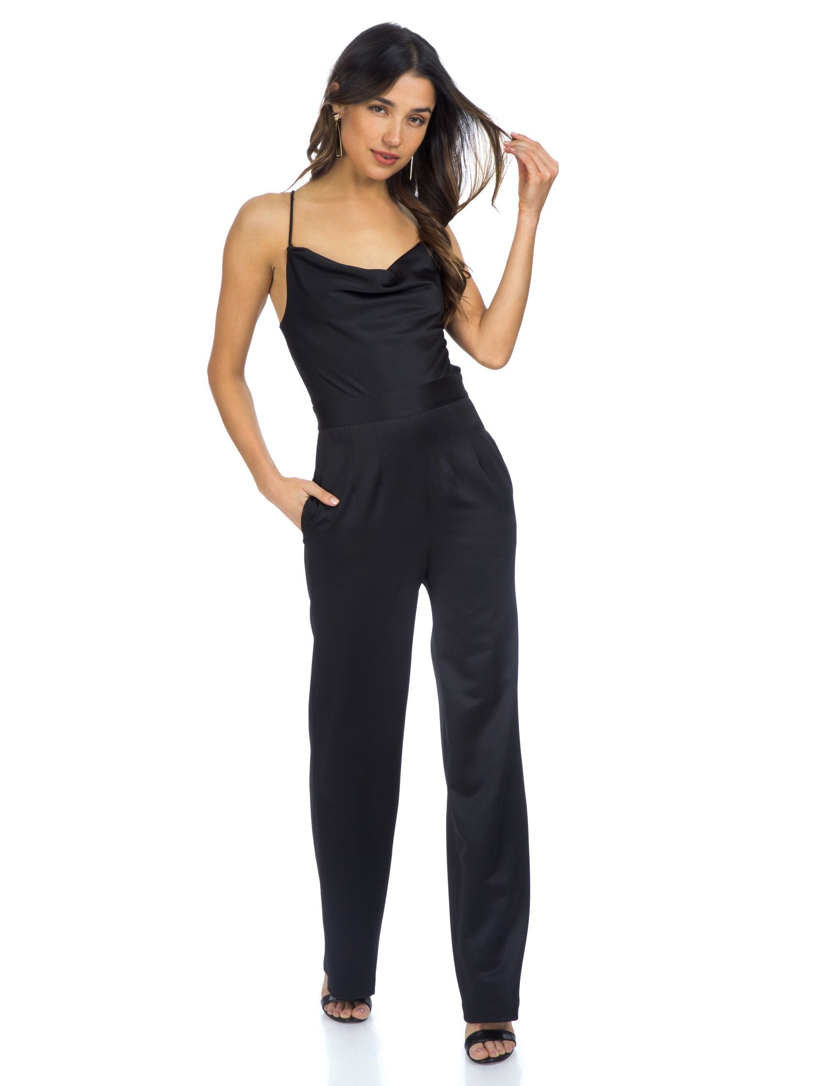 Girl outfit in a jumpsuit rental from NBD called Diem Jumpsuit