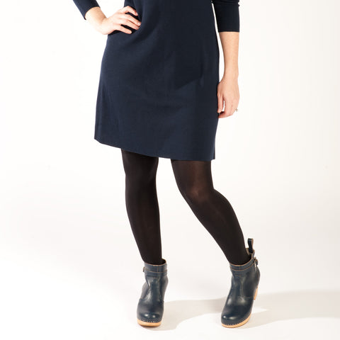 what color tights to wear with a navy dress black tights