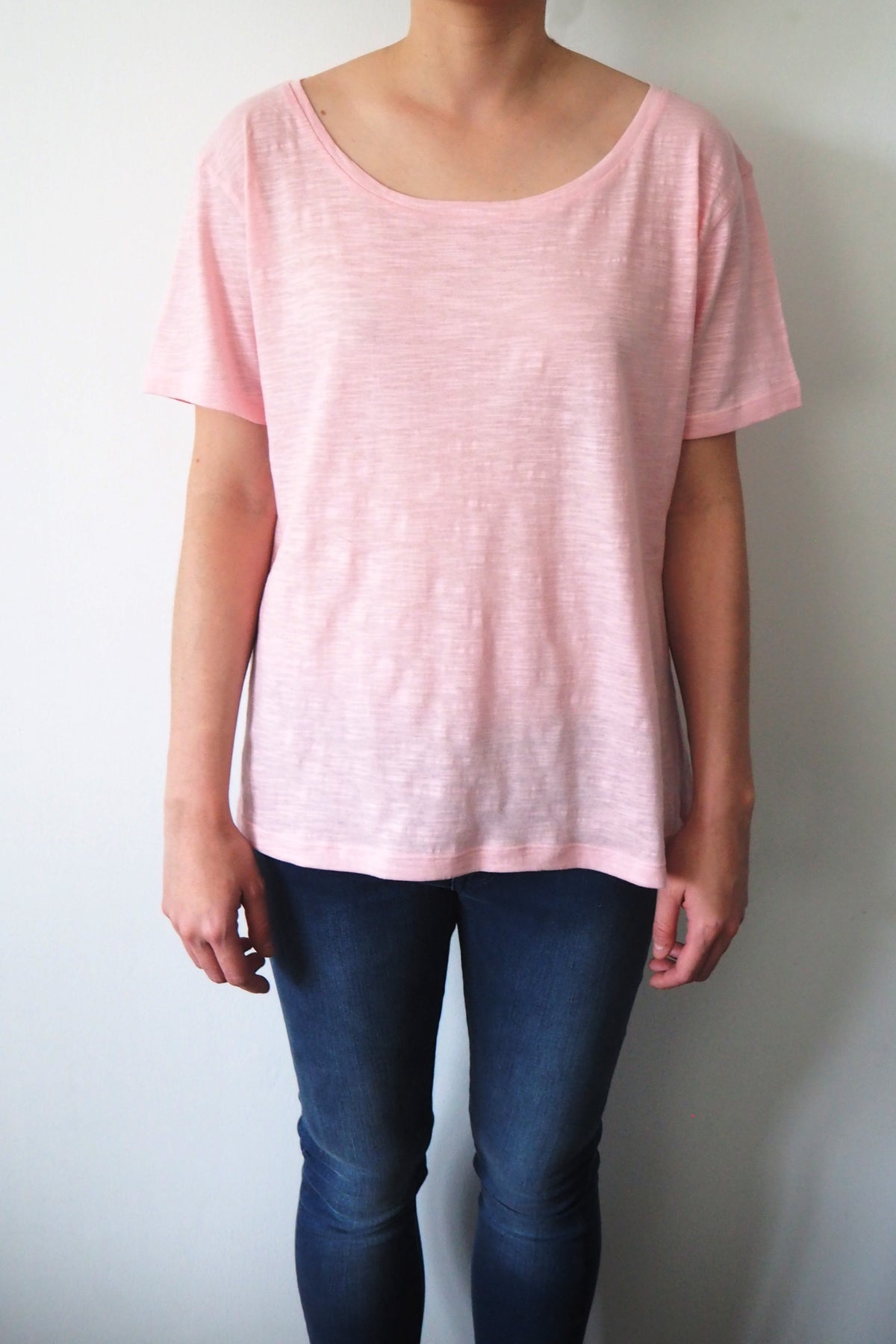 *New Item* Pink Round Neck T-shirt