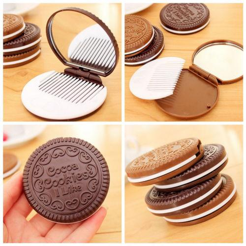 Mini Pocket Chocolate Cookie Biscuits Compact Mirror With Comb