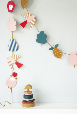 Paper garland 'Sheep' DIY