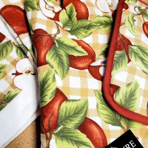 Apples Kitchen Linens
