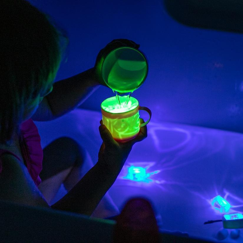 GloPals Light up in Water