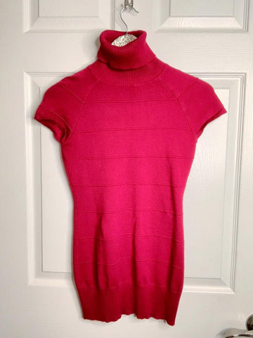 Shades Of Red Turtleneck Top