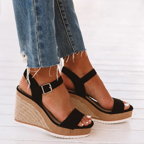 The Darrian Wedge in Black