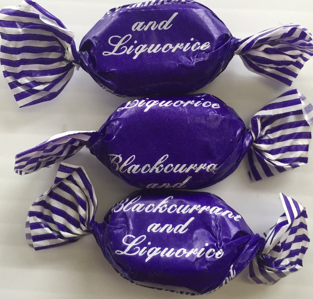 JG Blackcurrant & Liquorice Sweets Wrapped 100g Kingsway