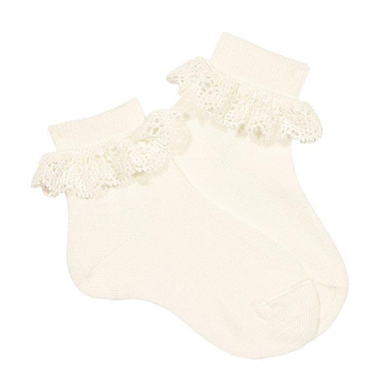 Cream Lace Trim Ankle Socks