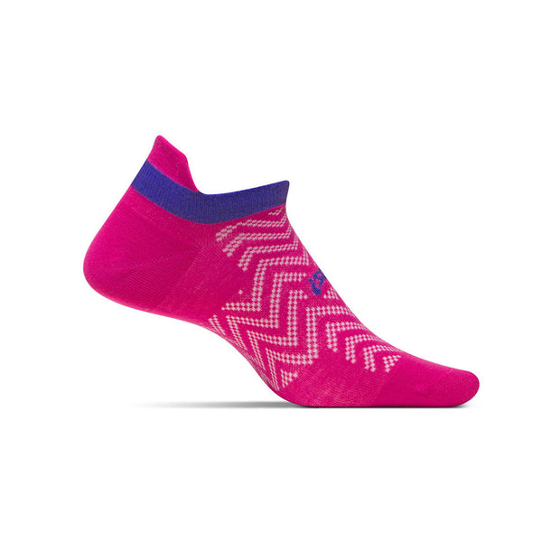 FEETURES HP Ultra Light Womens Cheveron Pink Running Socks (FA55093)