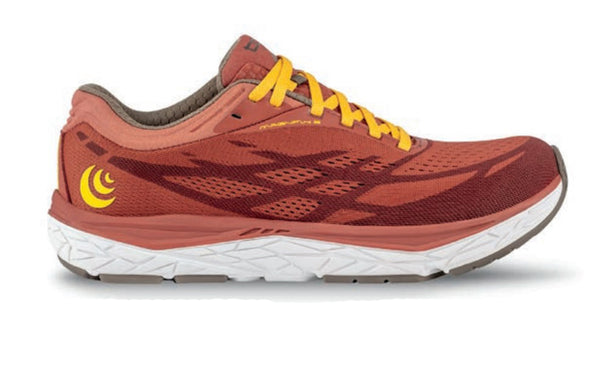 TOPO ATHLETIC Womens Magnifly 3 Rust/Gold Running Shoes (W034-RUSGLD)