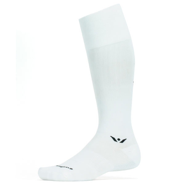 Swiftwick Performance Twelve White Running Socks (TA028ZZ)