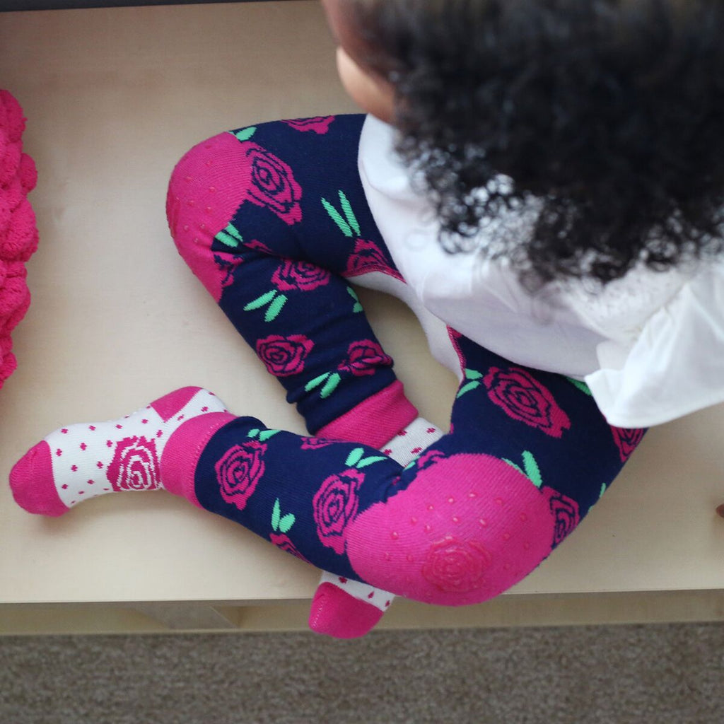 Baby & Toddler Clothing Girls' Clothing (newborn-5t) Baby Girl 12-18 Months Red Pink Cream Tights Delicacies Loved By All