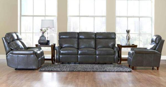 Tips on Finding & Decorating with Traditional Living Room Furniture