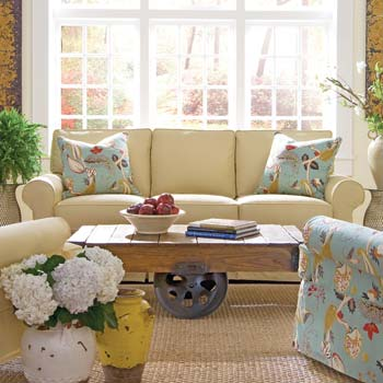 Mismatched Furniture Trend