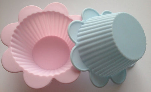 2 pcs Flower Soft Silicone Cupcake Liners -Unbranded
