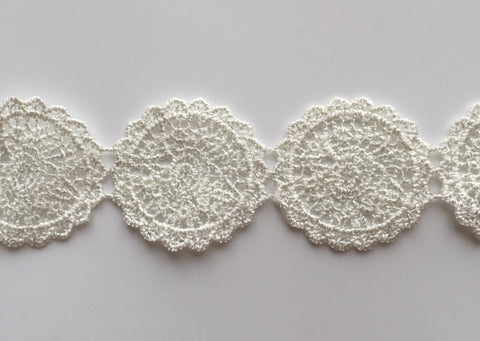 2 Yards Round White Polyester Lace Trim