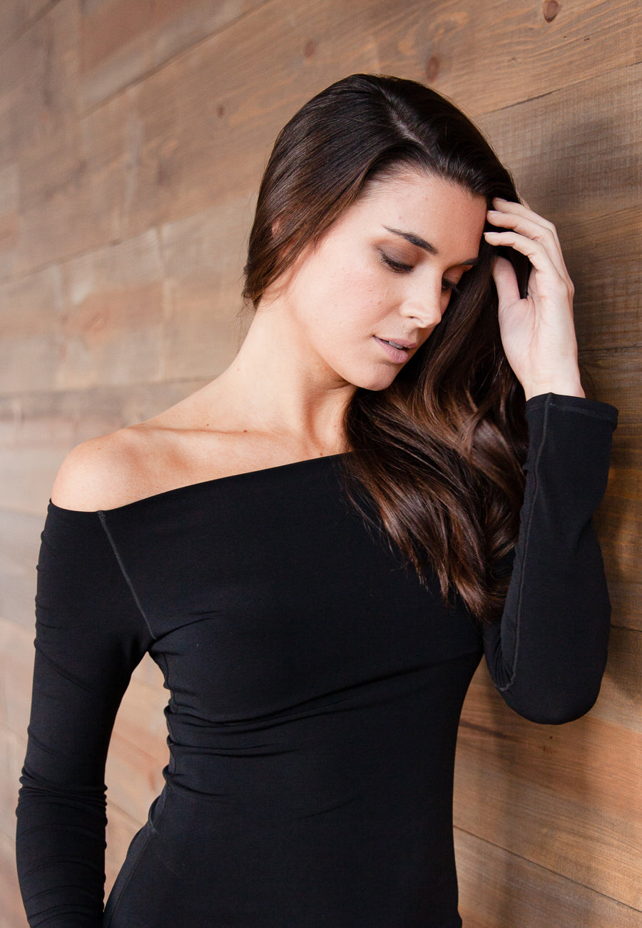 Aspen<br> Chic off-the-shoulder Fitted