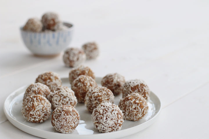 A super simple (and crazy delicious) salted caramel protein ball recipe
