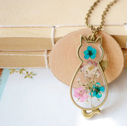 Women Romantic Cat Shape Glass Locket Dried Flower Plant Pendant - Necklace for Her