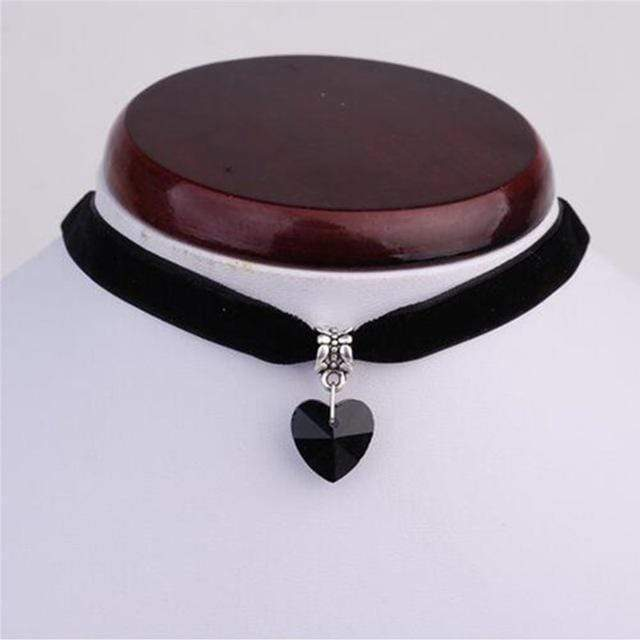 Kinky Cloth black Gothic Heart Gem Choker