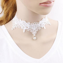 Kinky Cloth White Lace Pearl Choker