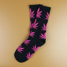 Kinky Cloth 25 Marijuana Leaf Ankle Socks