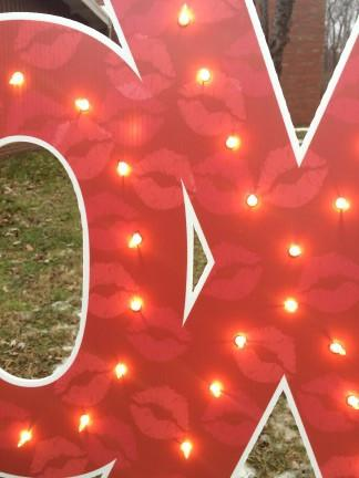 The close up of a XOXO sign