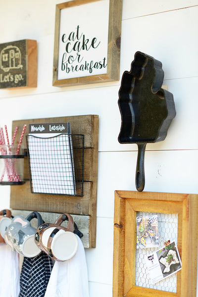 Skillet Wall Hanger: Magnetic Holder