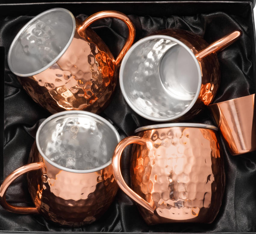 Closeup of Urban Vintage LA Double Walled Copper And Stainless-Steel Moscow Mule Mugs With Focus on Inner Wall