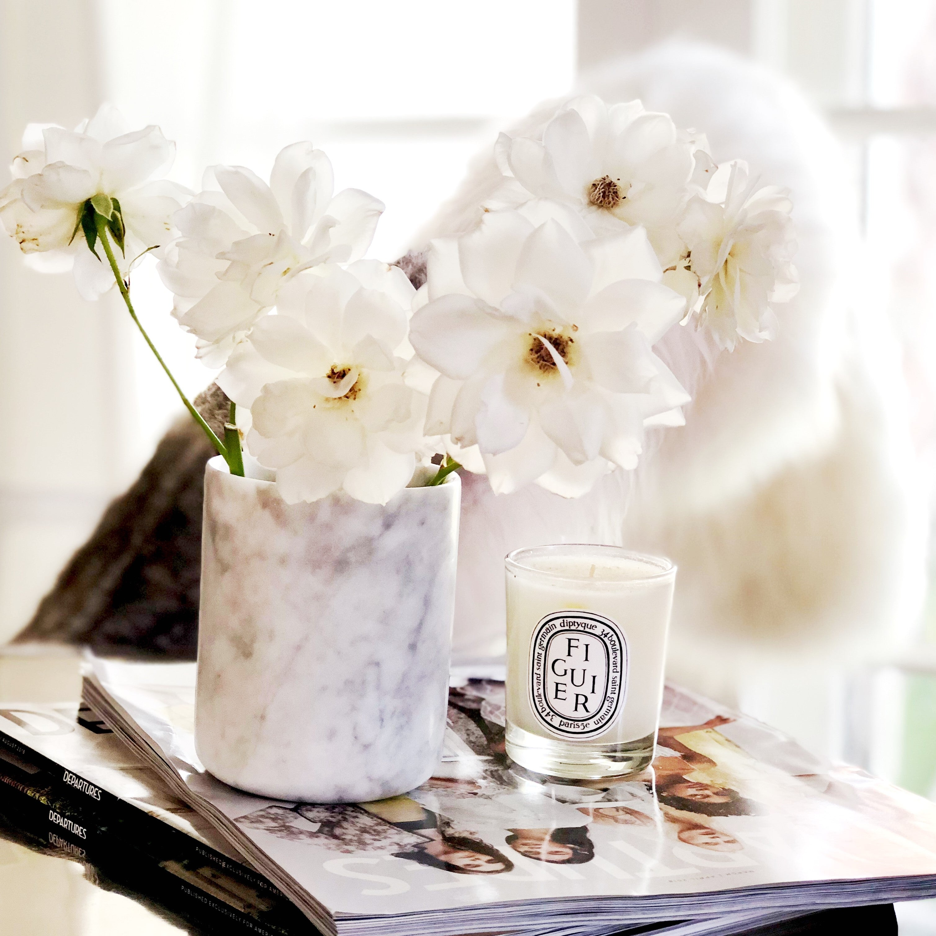 Urban Vintage LA Marble Jar with Marble Lid in White Living Room