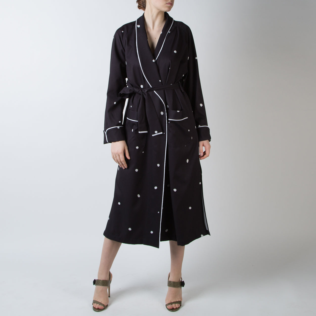 Blur On Coal Robe