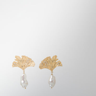 gold leaf with cubic zirconia holding baroque pearls by Apples & Figs
