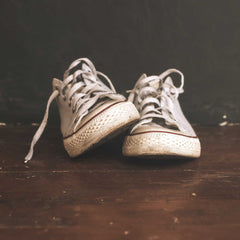 Dirty shoelaces in converse shoes