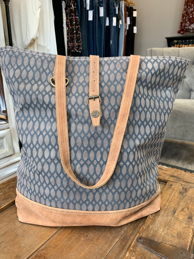 Oval Print Canvas Tote