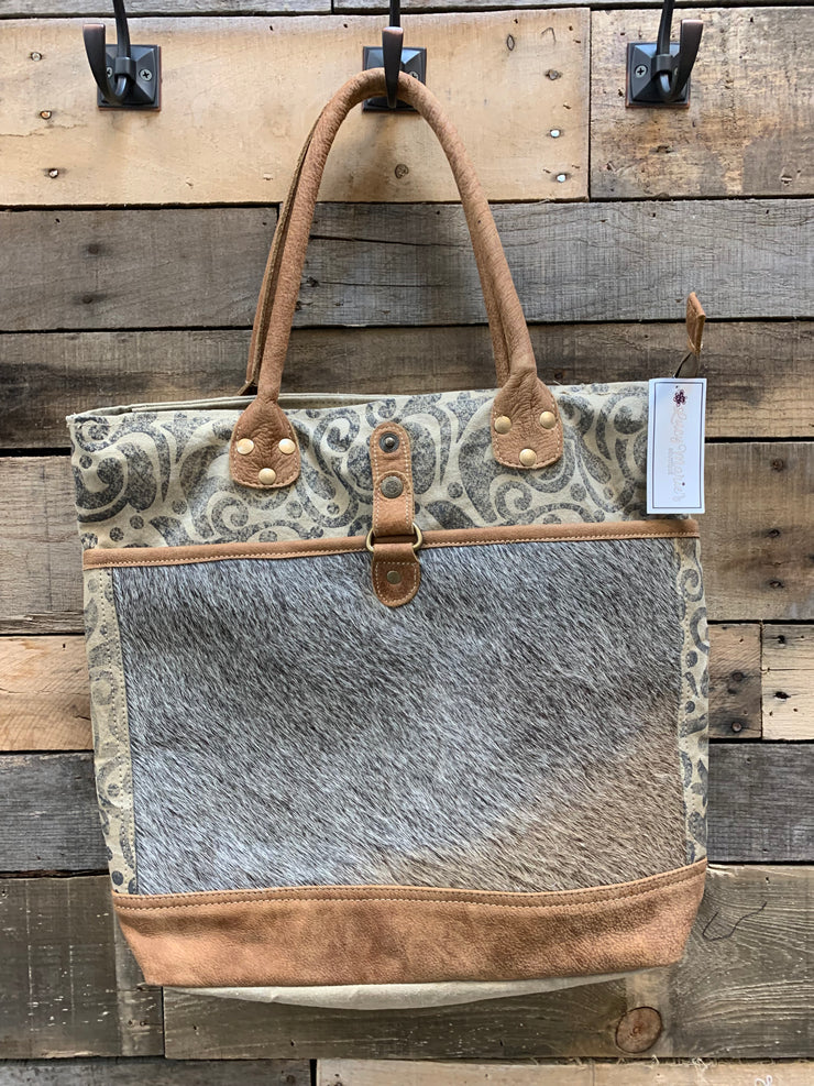 CL Cowhide Pocket Tote
