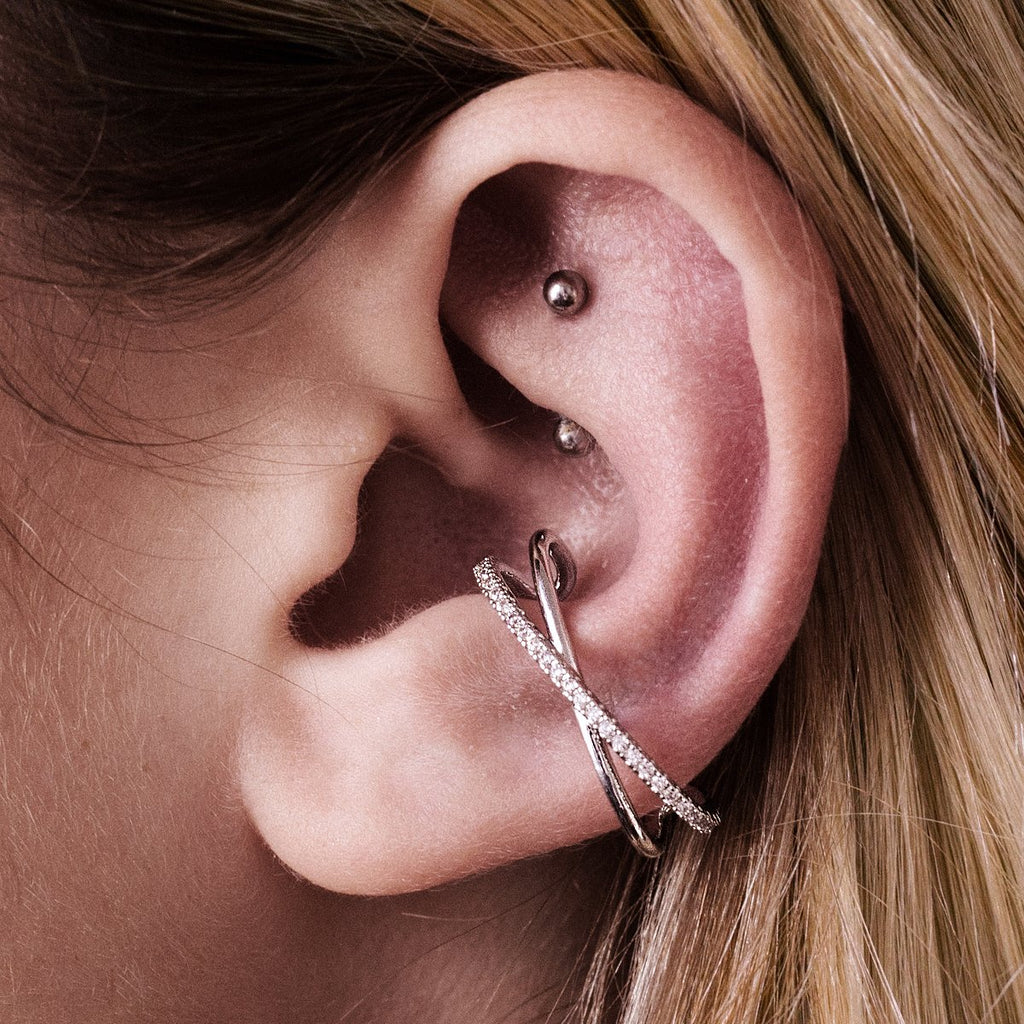 Memory Helix & Cartilage Ear Cuff Piercing on model - silver