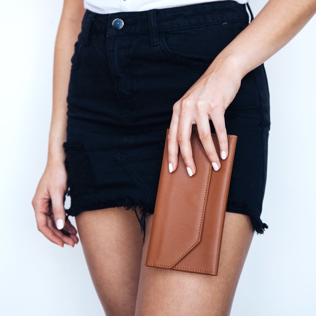 Moby Wallet - Tan