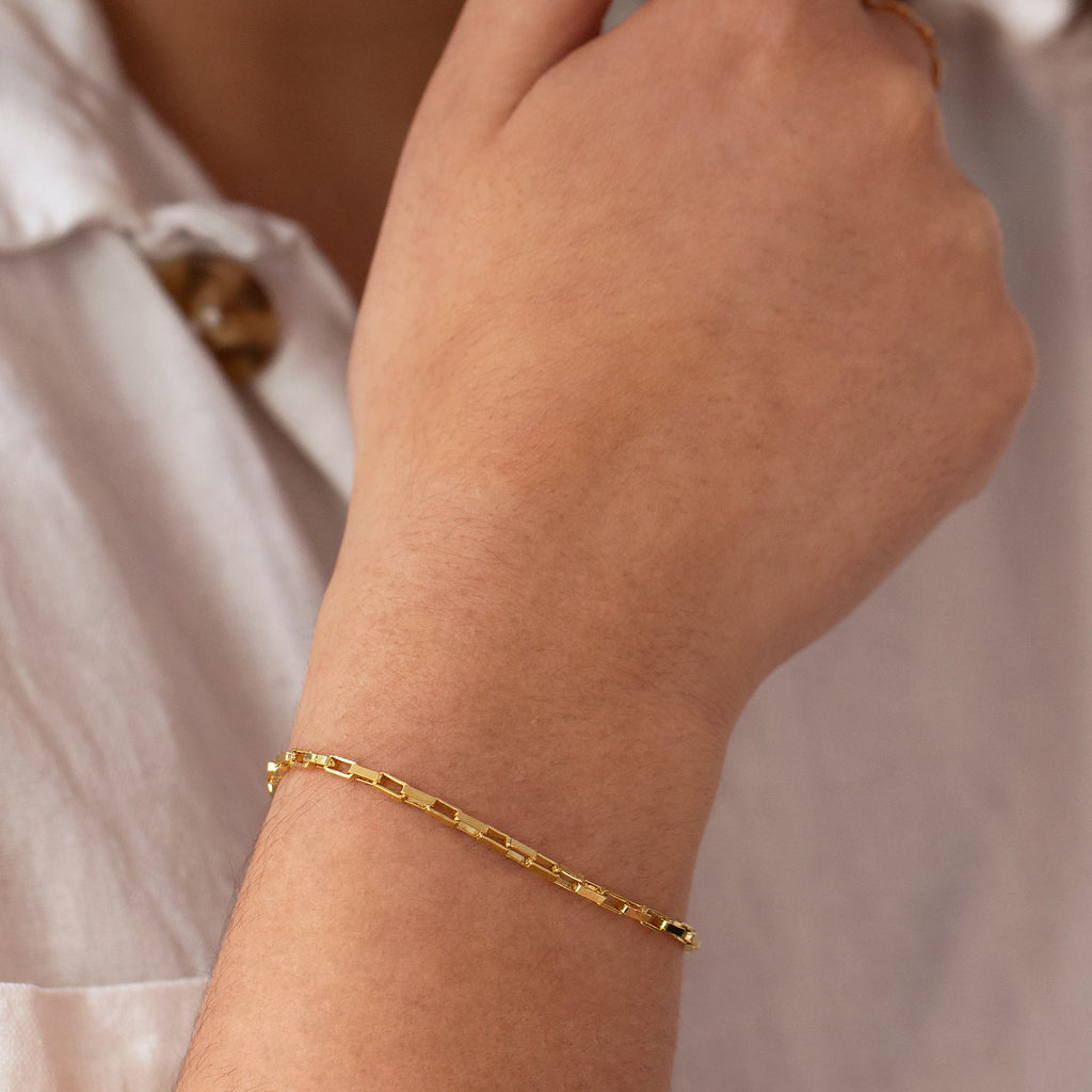 Astrid Chain Link Bracelet on model 2 - gold