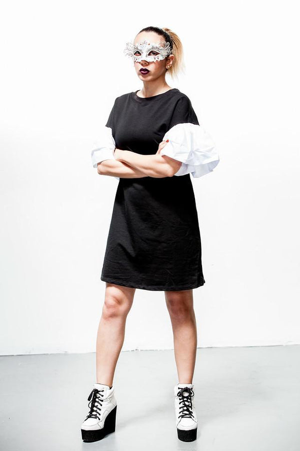 Tee-shirt dress, Lady Gaga, Black and white dress, dramatic dress, boxy dress, dress with ruffles, comfortable knit dress with drama, simple dress with ruffles, big ruffles, ruffled sleeves, festival, everyday dress, dancing, clubs, burning man clothing, festival wear, dancing