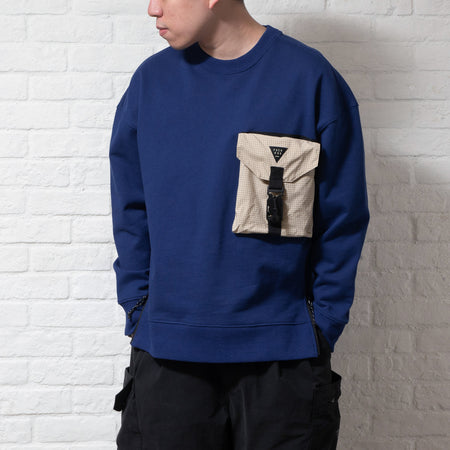 (ZW211) Fly Freely Graphic Sweater